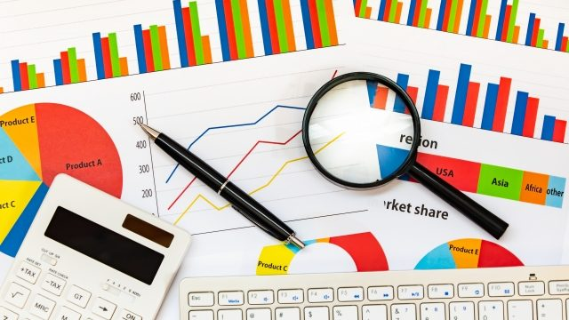 【データを読む】「中小企業のWeb活用調査」